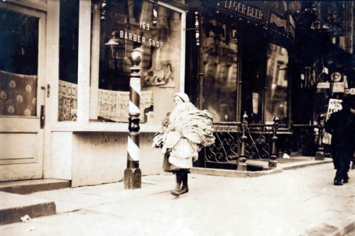 A load of kimonos, New York City, 1912