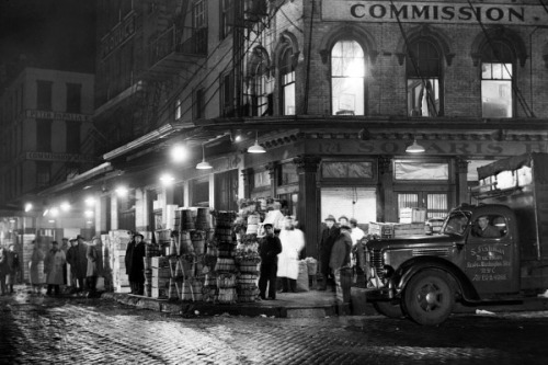 Produce market on Washington Street, New York City
